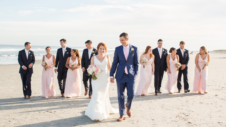 Bridal party on the beach at the Jersey Shore - Photography by Susan Hennessey Photography, a South Jersey wedding photographer