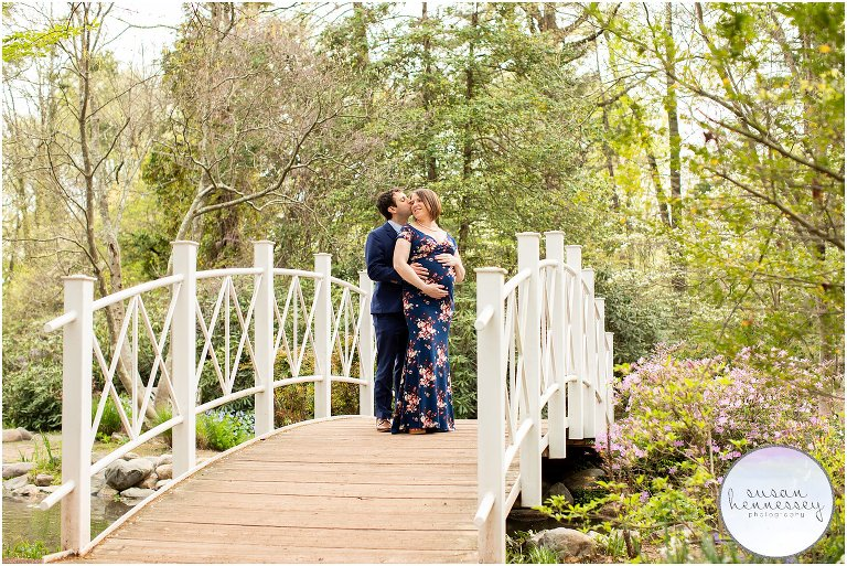 A pregnant mother and her husband at her maternity session at Sayen Gardens