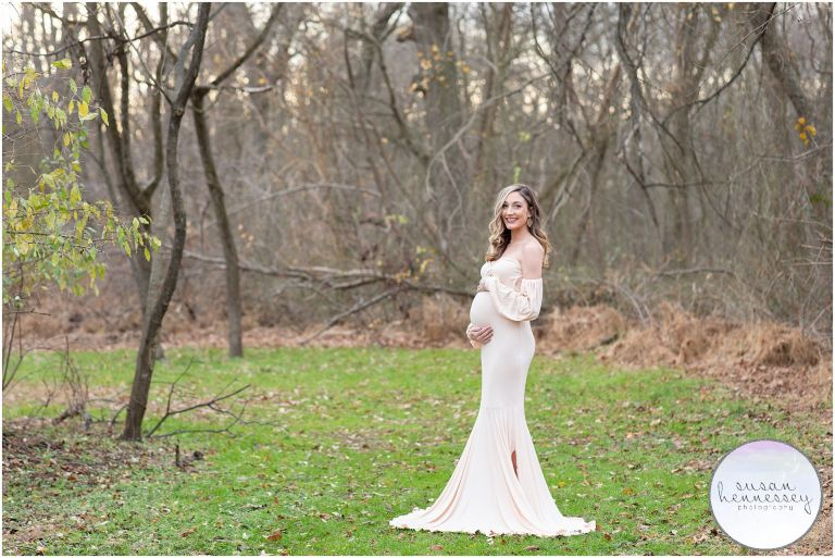 Susan Hennessey Photography is a Moorestown based photographer who offers a bump to baby collection for parents looking for a maternity and newborn session.